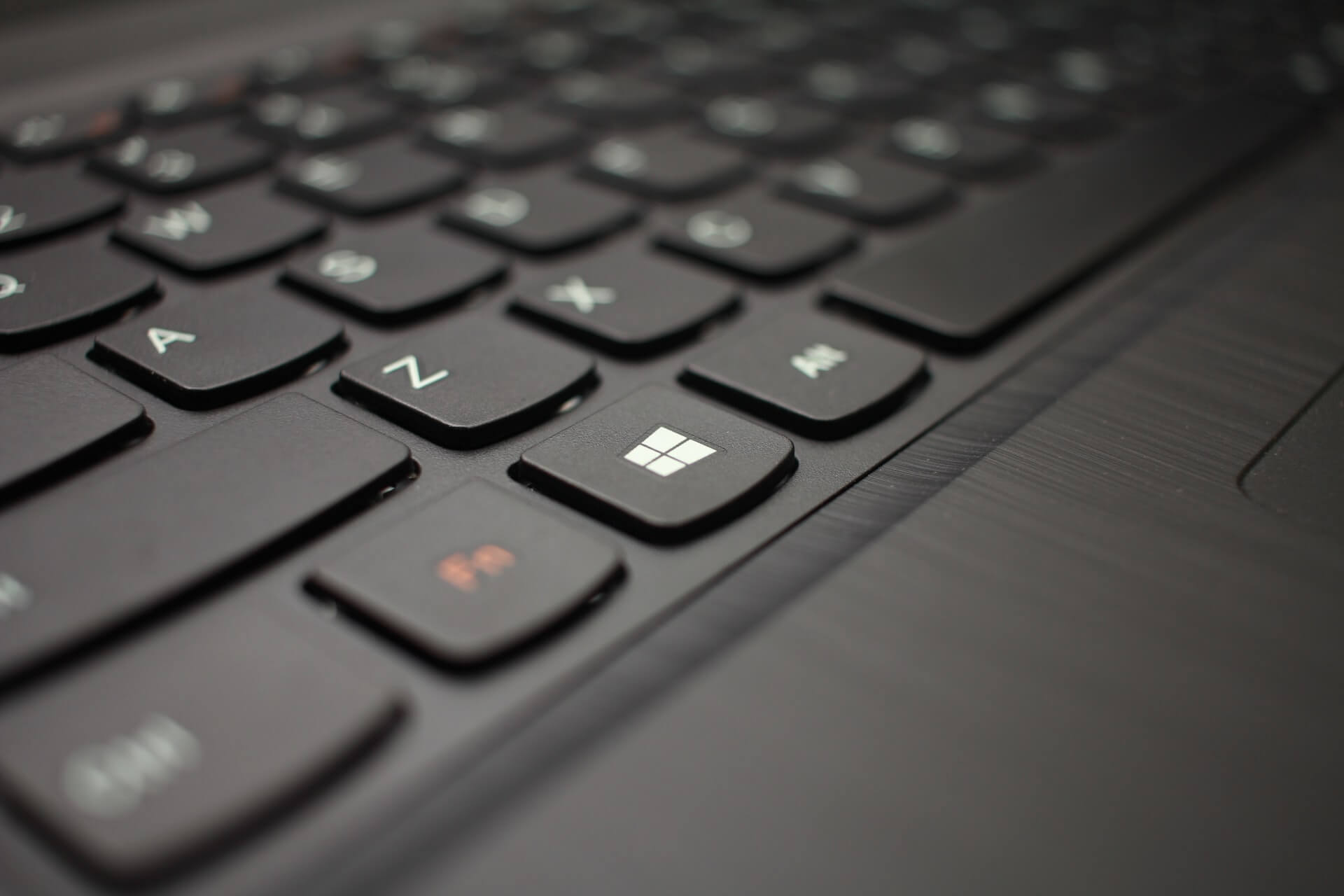 Clavier Windows - Photo by Hal Gatewood on Unsplash
