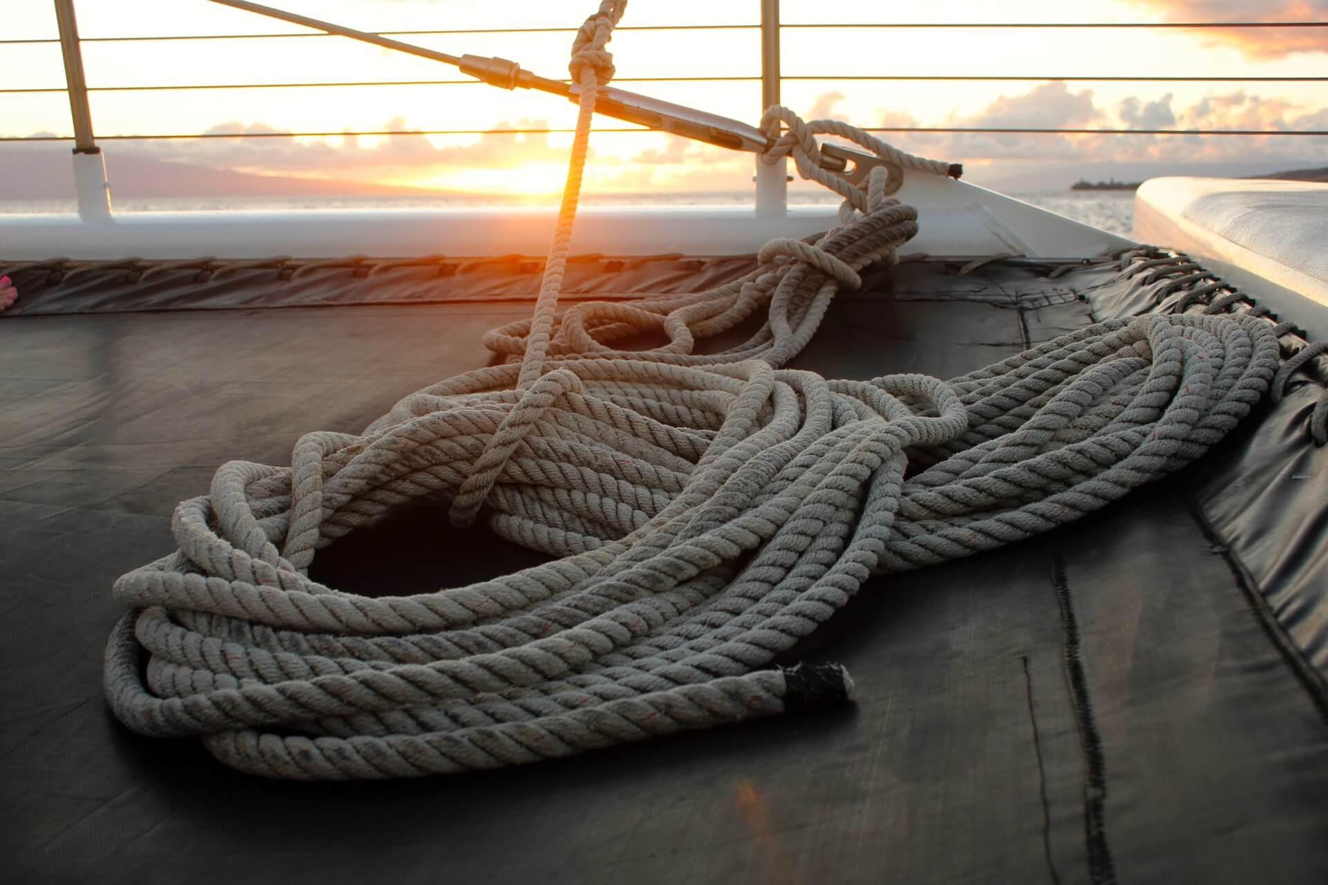 Cordages sur un voilier - megan-menegay-PKLctcbs578-unsplash